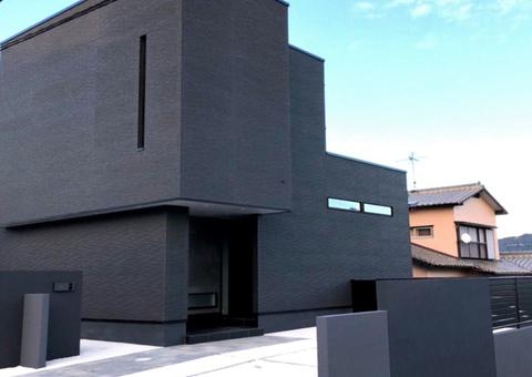黒壁の家凹凸サムネイル