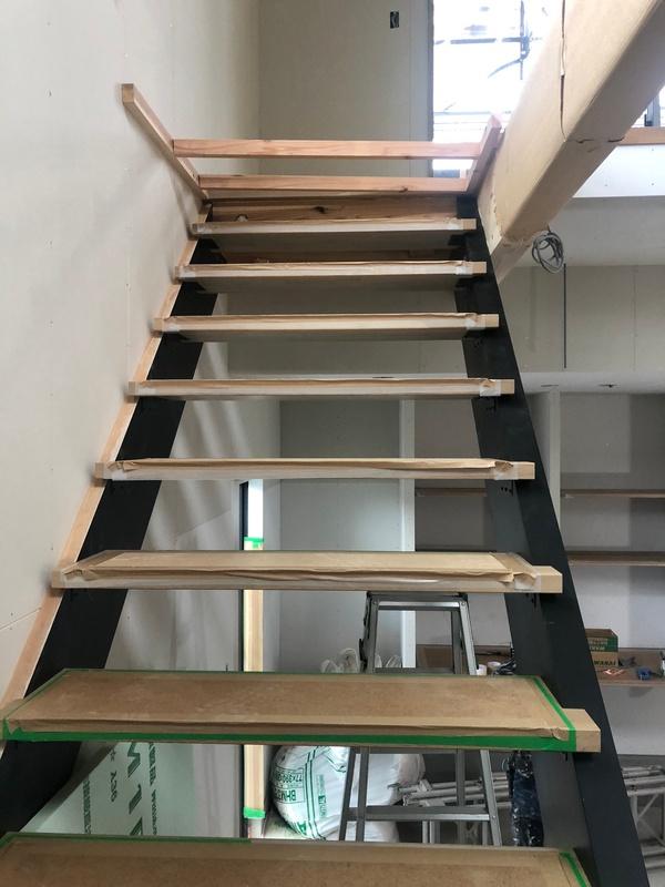 YUKA ガレージハウス 階段サムネイル